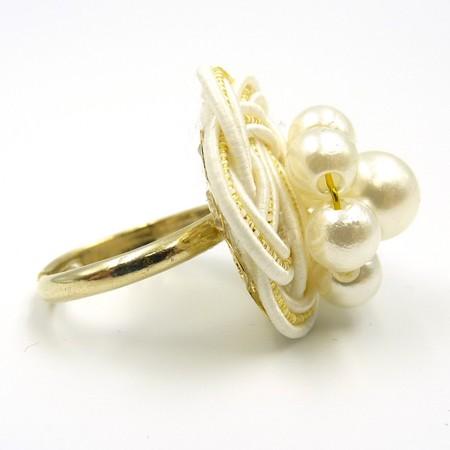 水引細工 指輪 白 梅結び