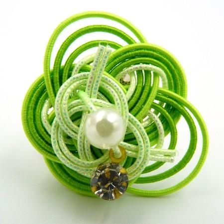 水引細工 指輪 黄緑 梅結び